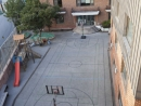 Schulhof mit Gebäude 1 & 2 (Foto von http://www.zabel-partner.com)